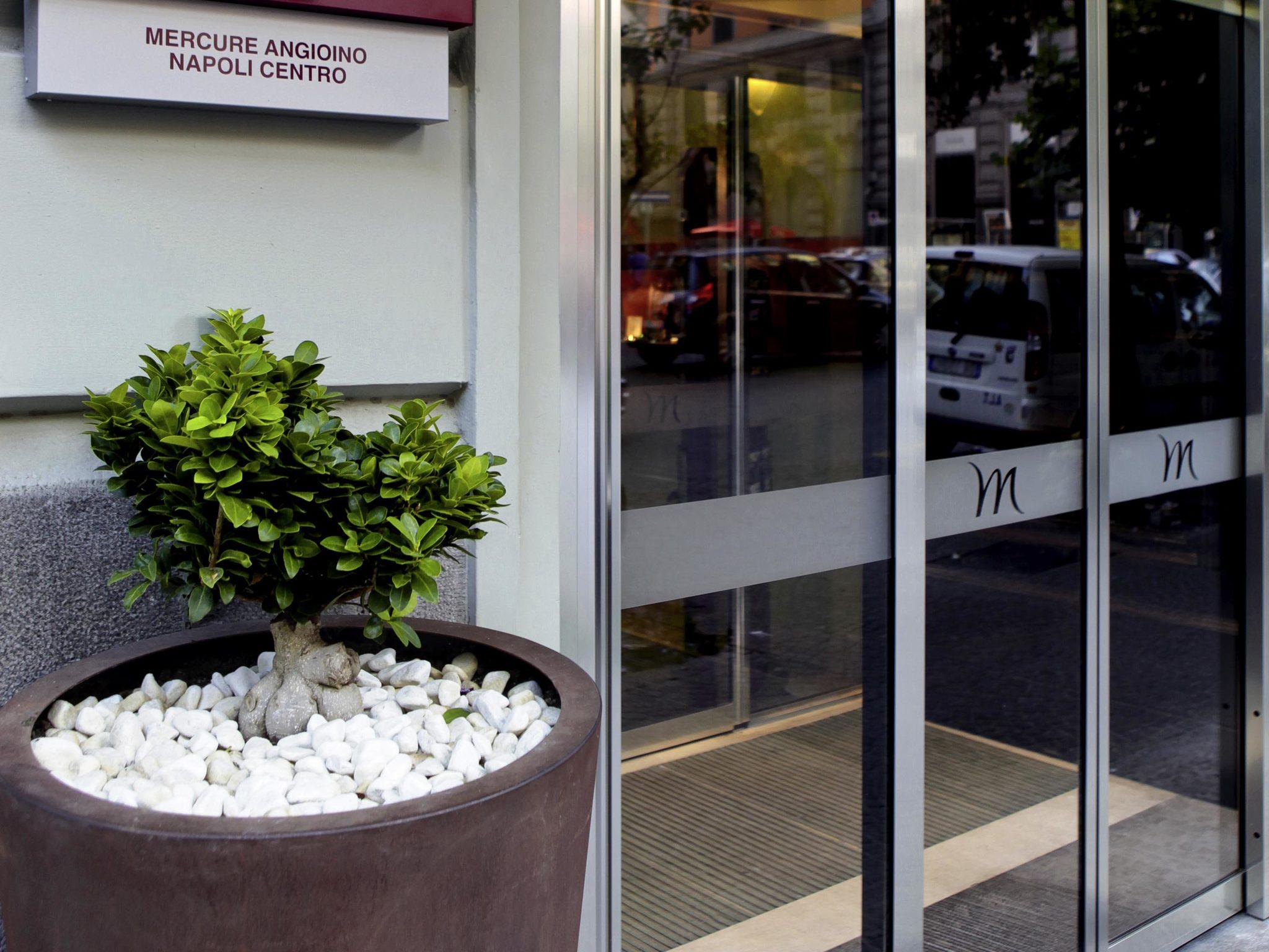 HOTEL MERCURE MASCHIO ANGIOINO